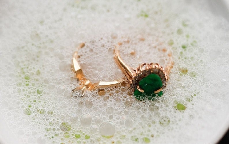 Tips to Clean Jewelry to make it shine for long time